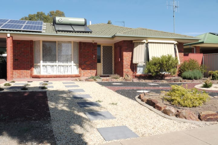 Homewood Self Contained Apartment - Mooroopna - Apartment