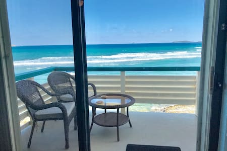 So close you can taste the ocean - PRIME Location