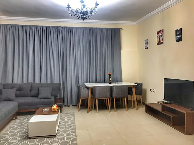 Hidden Gem 2 BR Apartment & pool access New Cairo