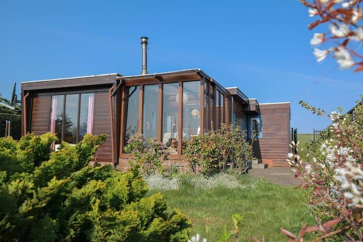 4pers. House w Sauna, Winter garden & fishing pier
