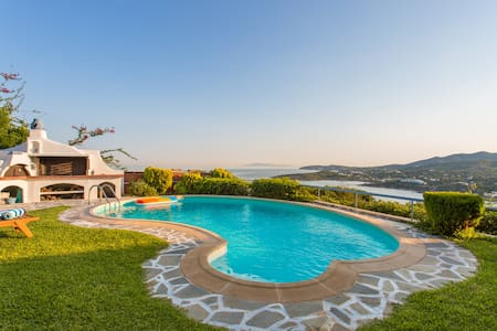 Villa Amorgos in Sounio with stunning view