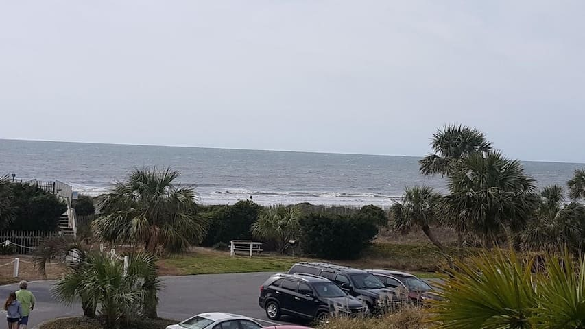 Ocean Front Condo! Great Views Looking at Beach!