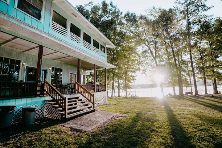 Secluded Lazy Point Lodge