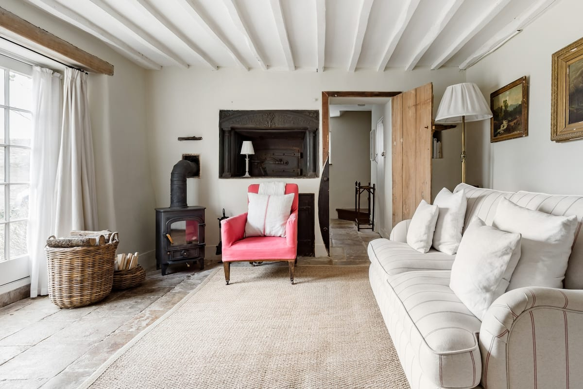 The Old Bakehouse—Quintessential Cotswold Cottage