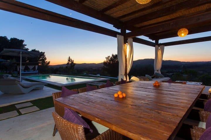 exclusive villa in the heart of Ibiza