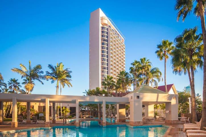 Broadbeach 4 star Hotel - get away and relax - Broadbeach - Apartemen