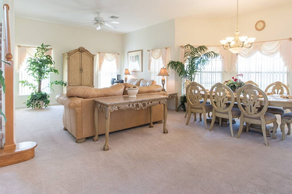 Chair, Furniture, Dining Table, Table, Dining Room
