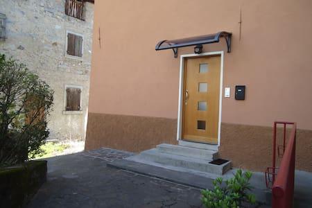 Bilocale tranquillo e confortevole - Tione di Trento - Apartment