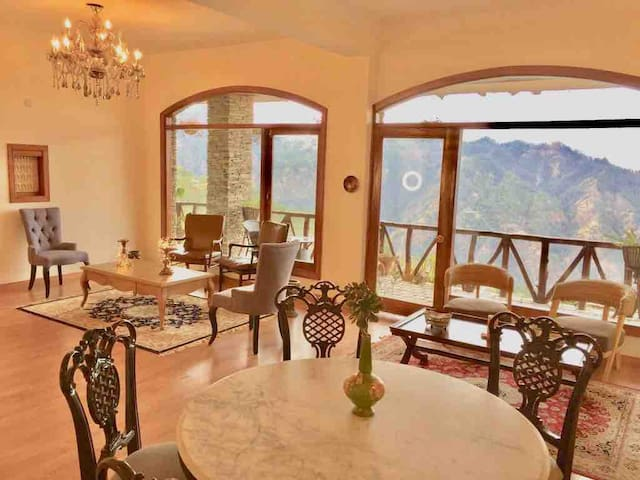 Royal British Penthouse on a Private Hill Shimla