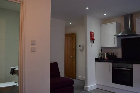 Studio Central Egham #MHS1 - Egham - Apartment - 2