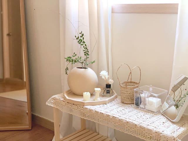 Oval studio 弘大站5分钟/Hongdae 5Min|温馨格调