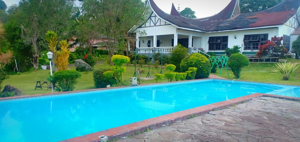 Rustic Villa Minang Perfect for Big Groups/Family