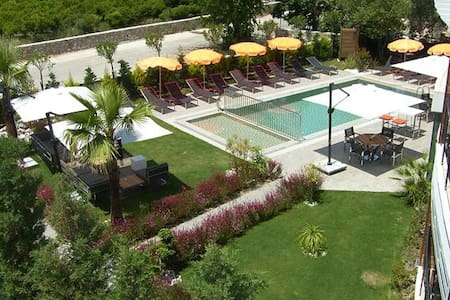 BD283-Bodrum 1 Bedroomed Flat with sharing Pool - Ortakent - Lakás