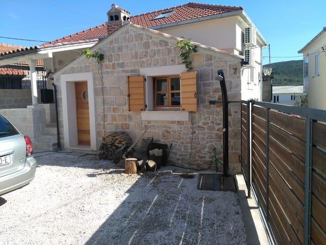 Apartment BUGA 1A - Unique Dalmatian Stone Villa