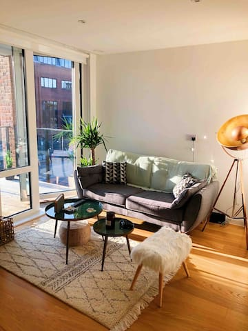 Double bedroom in a Stylish and bright flat
