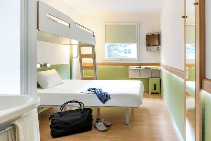 5 Chambres Cocoon Ibis Budget 5x3 personnes max