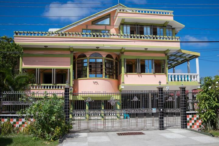 Armoury Villa - Apartment