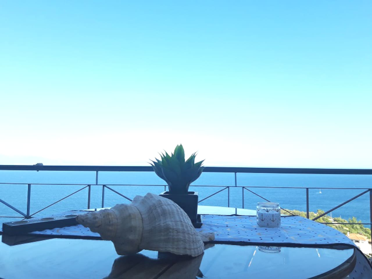 The beautiful infinity bleu of greek sea   and greek sky