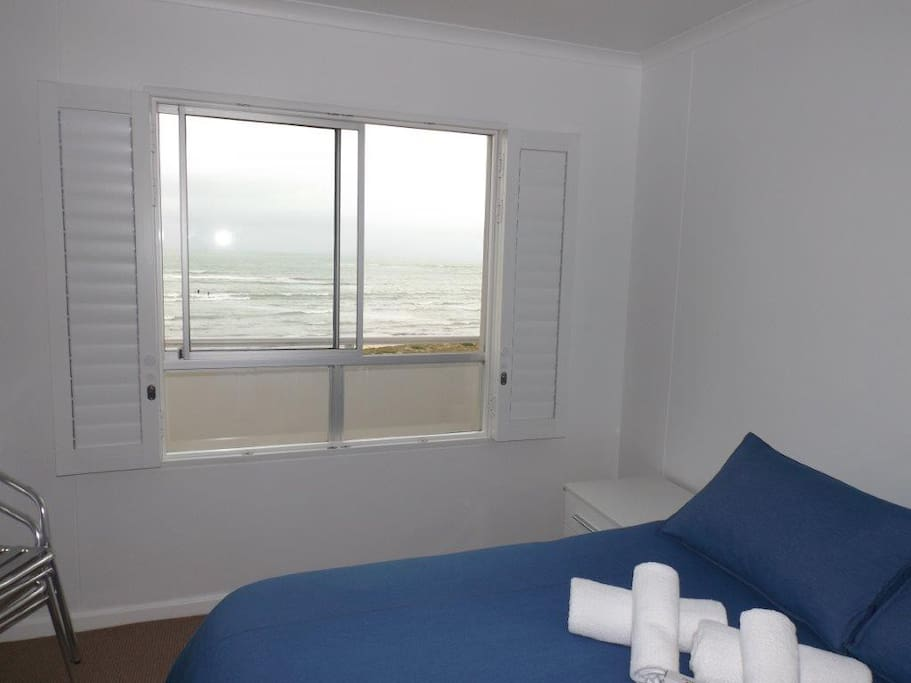 1st Bedroom with sea view
