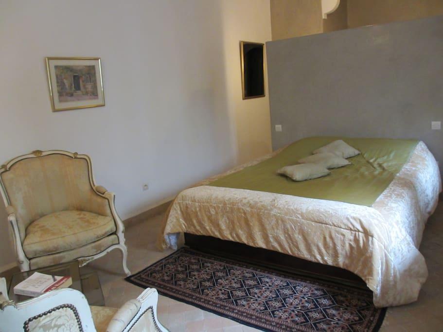 2 belles chambres d 39 h te riad maroc 2 sdb priv es bed for Chambre d hote marrakech