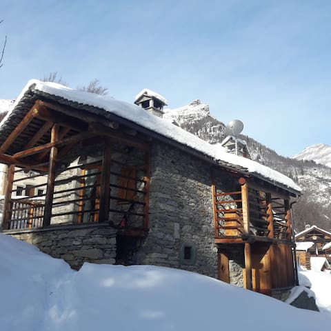 Romantic chalet in Alagna.