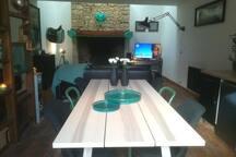 Table 6 places, serviettes de table papier fournies....