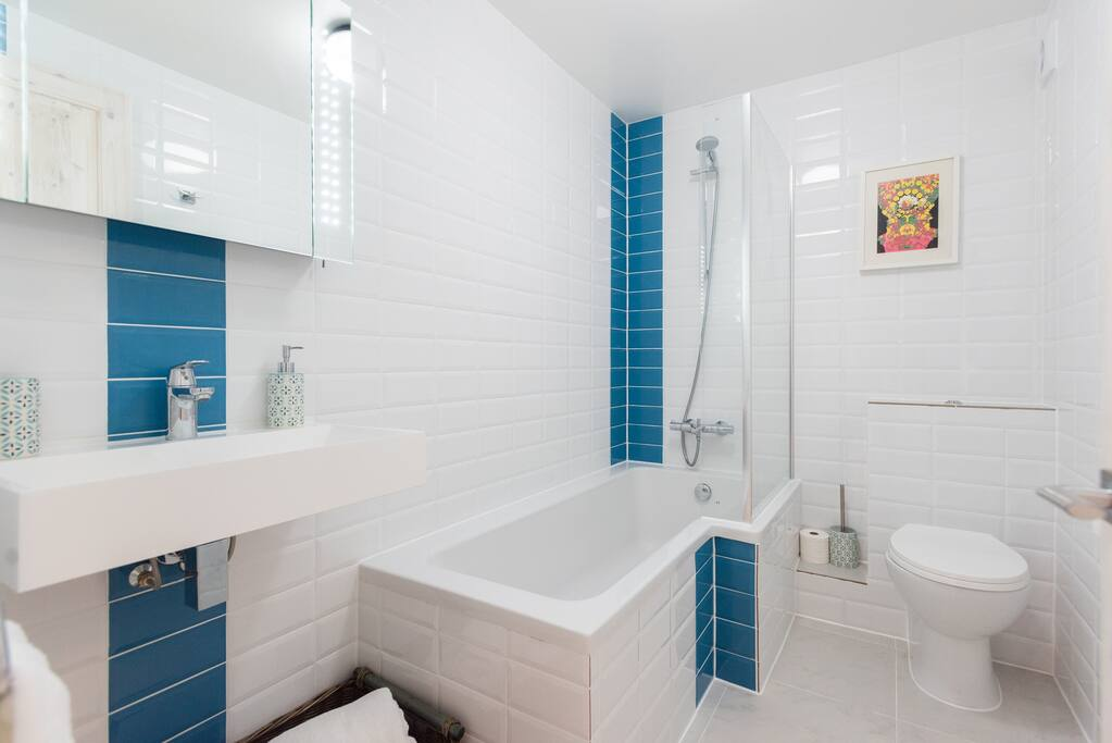 ensuite full bathroom with shower