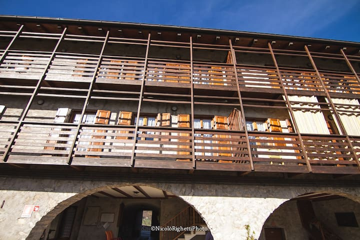 Bilocale a Prada in antico casale - Prada - Apartment