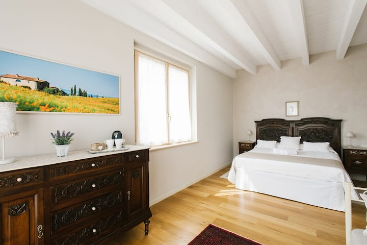 il Gallo Country House ( Morina Room with Spa)