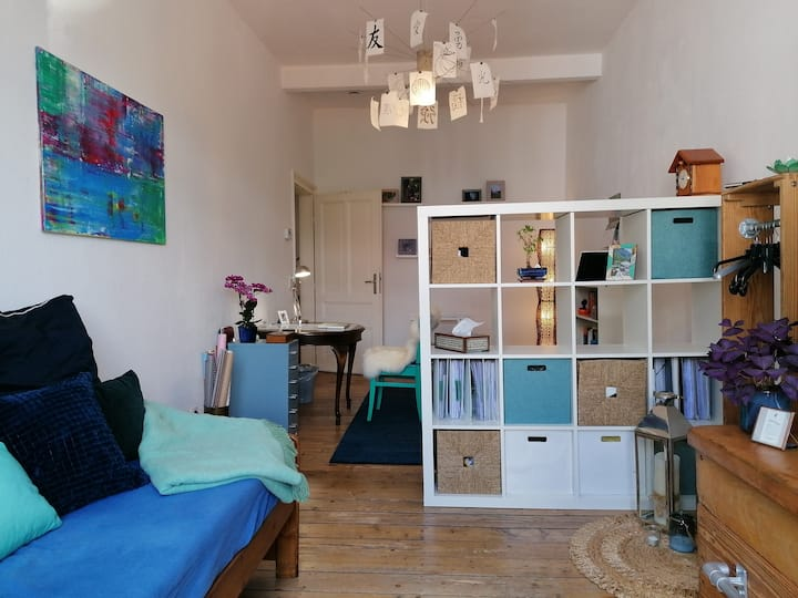Big, light, stylish and cozy room in Berger Straße
