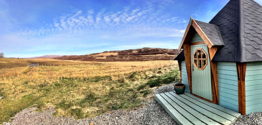 Skye Eco Bells Glamping - Cosy Island Cabin 1 - Orbost - Cabin