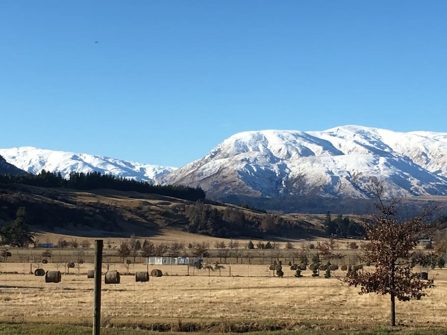 Winter views of the Crown Range