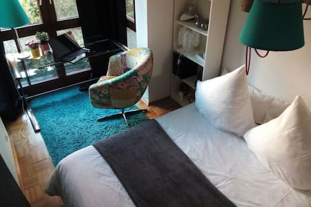 Beautiful room 5 min. train Station - Wolfratshausen - Apartamento
