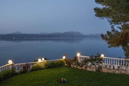 Spacious lux Villa with breathtaking Sea View - Plaka Dilesi - 独立屋