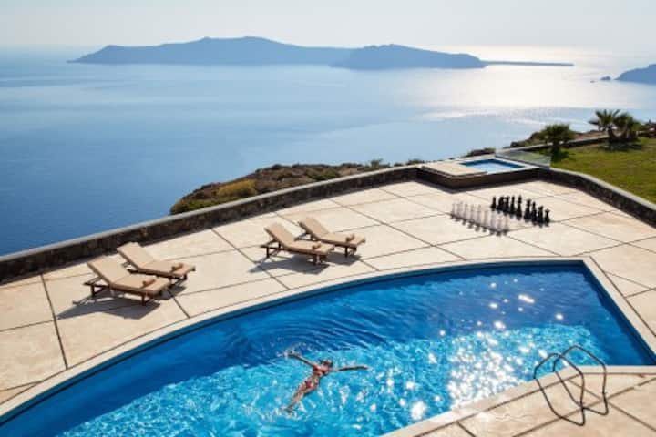 Luxury 5 bedroom villa  with p. pool and sea views