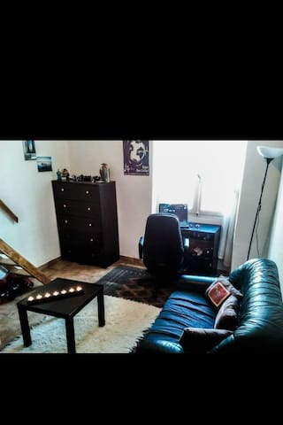 Small studio near dowtown