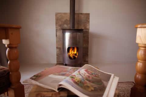 Under Oak Cottages: Rosemarie Studio Cottage