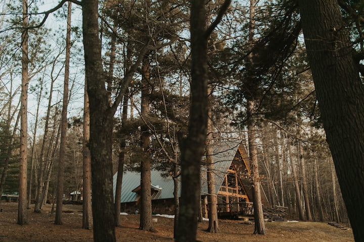 Hart Haven A-frame on Lake Millicent