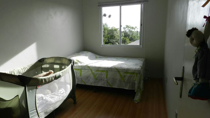 Caxias do Sul - Private room-double bed and cot! - Caxias do Sul - House