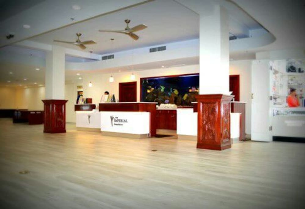 24 hour lobby with front desk and doorman
