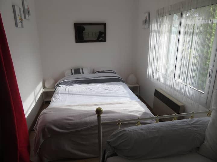 jolie chambre à vergeze !