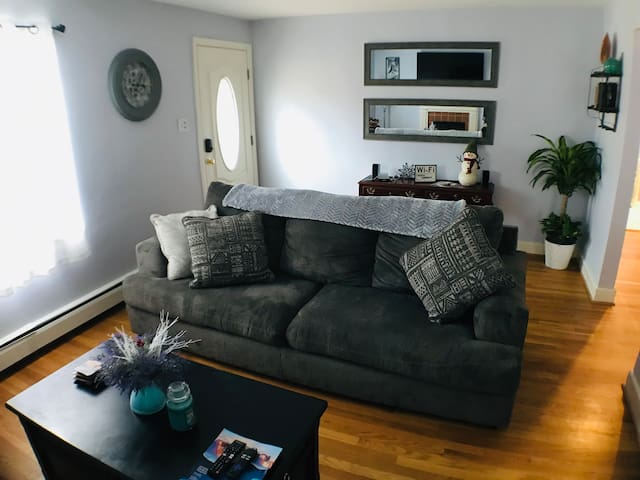 Chic Duplex Home in a 5★ Location | Hot Tub + Park