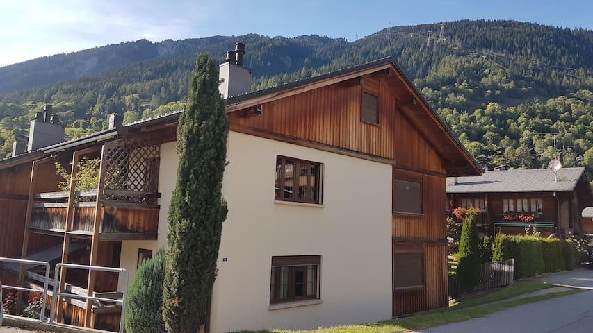 Comfortabele vakantiewoning Binelti in Fiesch