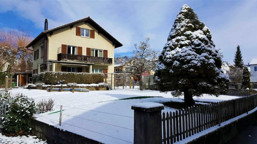 Amazing Winter House Close to Skiing and Town!!