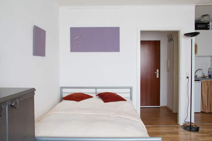 Top apartment free WLAN parking, long stay only