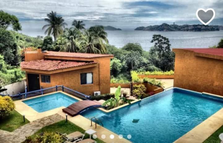 Casa en Acapulco brisas con vista al mar