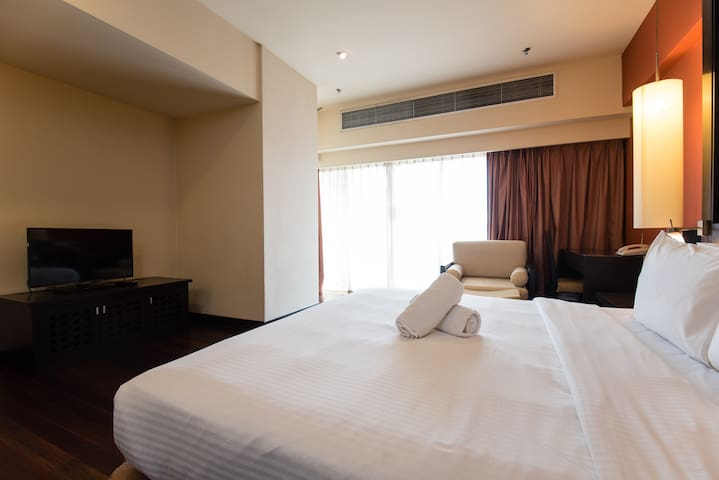 Dreamy room with great location in Petaling Jaya