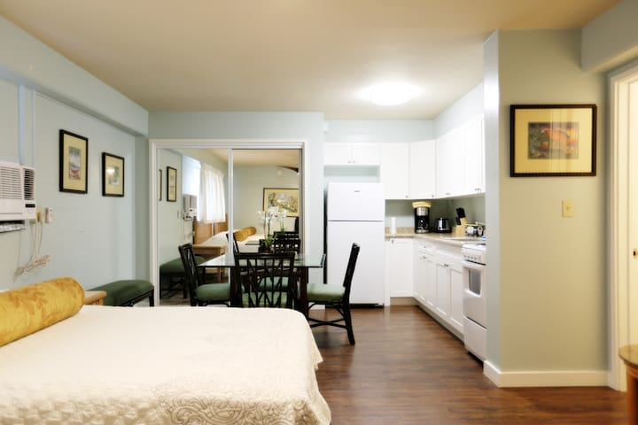 Photo is of identical floorplan.  New photos will be taken and published soon