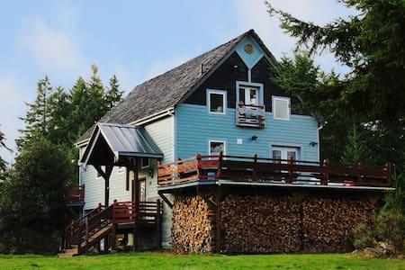 The Harn - Renovated barn home on acreage - Port Ludlow - 独立屋