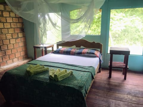 Deluxe Double room in beautiful Selva Vida Lodge